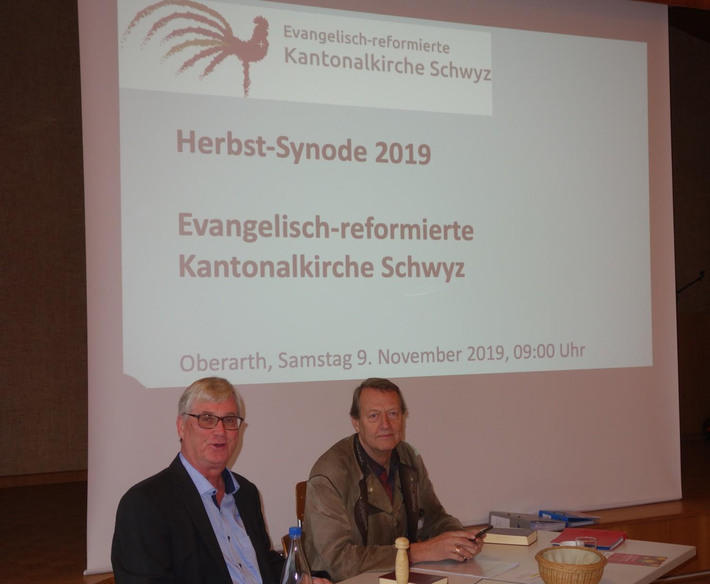 v.l.: Roland Meyer, Präsident und Ueli Dubs Vizepräsident Synode